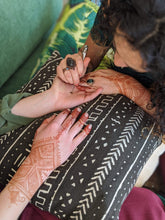 Load image into Gallery viewer, Evelyn Salguero Workshop Henna Body Art