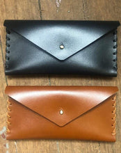 Load image into Gallery viewer, Julienne English Workshop Leather Clutch and Key Fob
