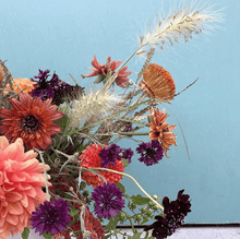 Load image into Gallery viewer, Kat's Flower Affair Workshop Flower Arranging