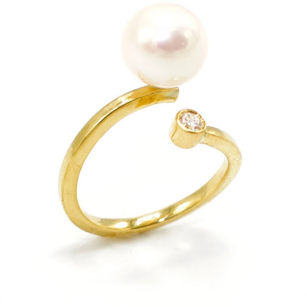 Pearl & Diamond Ring 18k yellow gold