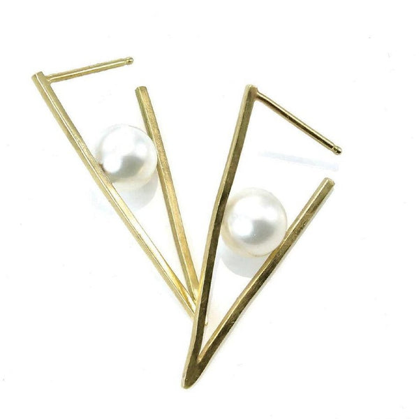 Pearl Triangle Earrings 18k Yellow Gold