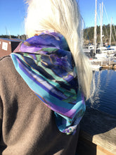 Load image into Gallery viewer, Celtic Forest Shawl