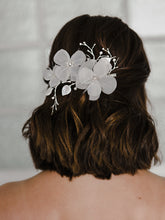 Load image into Gallery viewer, HC2138 Bridal Hair Comb