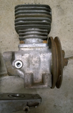Mercedes Benz W109 3.5/4.5 Liter 8-cylinder engine, Bottom Seal in groove in holding bracket