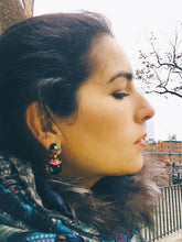 Load image into Gallery viewer, Flower enamel earrings - Lovinglam