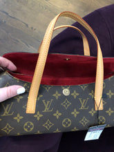 Load image into Gallery viewer, Louis Vuitton Small Envelope
