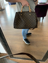 Load image into Gallery viewer, Louis Vuitton Montaigne GM