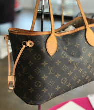 Load image into Gallery viewer, Louis Vuitton Neverfull PM