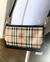 Load image into Gallery viewer, Burberry Housecheck Crossbody