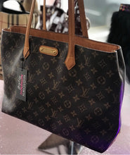 Load image into Gallery viewer, Louis Vuitton Wilshire MM