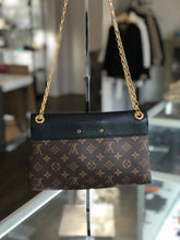 Load image into Gallery viewer, Louis Vuitton Pallas Chain Bag