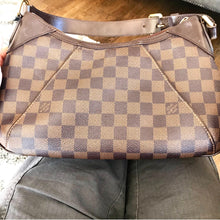 Load image into Gallery viewer, Louis Vuitton Thames PM
