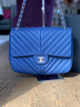 Load image into Gallery viewer, Chanel Chevron Bag