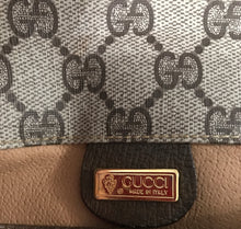 Load image into Gallery viewer, Gucci Vintage Portfolio