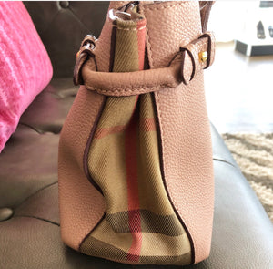 Burberry House Check Pebble Grain Small Banner Tote