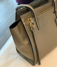 Load image into Gallery viewer, Ferragamo Amy Tote