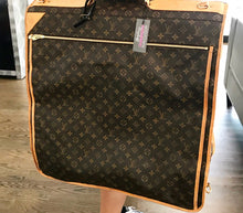 Load image into Gallery viewer, Louis Vuitton Garment Bag