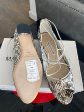 Load image into Gallery viewer, Manolo Blahnik Snake Skin Flats