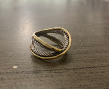 Load image into Gallery viewer, David Yurman Crossover Ring