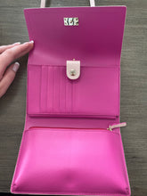Load image into Gallery viewer, Kate Spade Crossbody Wallet