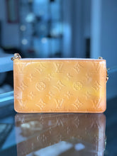 Load image into Gallery viewer, Louis Vuitton Lexington Pochette