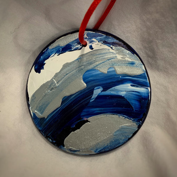 Holiday Ornament Blue/White/Silver Swirl (disc)