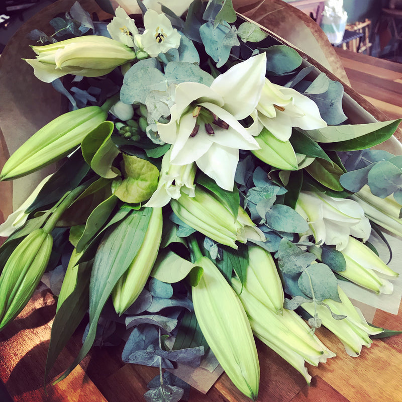 lilies bunch bouquet fragrant Tenterfield flowers Tenterfield florist delivery oriental lilies