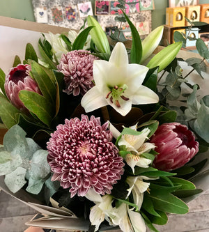 mixed flower bouquet, mothers day , tenterfield delivery