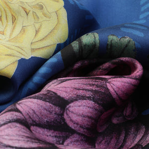 The-Blue-Dhalia-Silk-Scarf-flower-rectangular-65X200 cm-closeup1