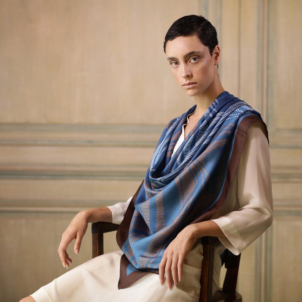The-Window-of-Blue-Leaves -Silk-Scarf-square-carre-brown-white-135X135 cm-model-closeup3-hermes-faliero-sarti