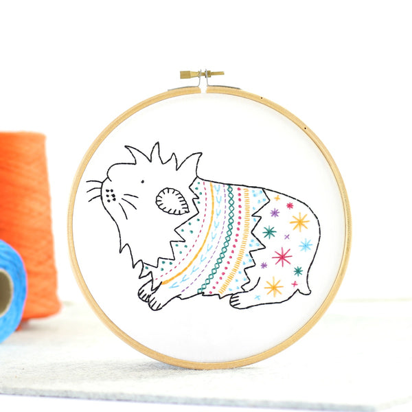 Hawthorn Handmade Embroidery Kit - Animals