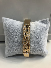 Load image into Gallery viewer, Ada - Diamonte Twist Bangle