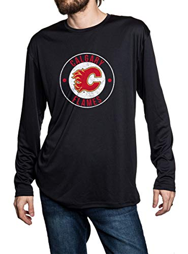 Calgary Flames Loose fit long sleeve rashguard in lack. Distressed logo in middle of the chest.