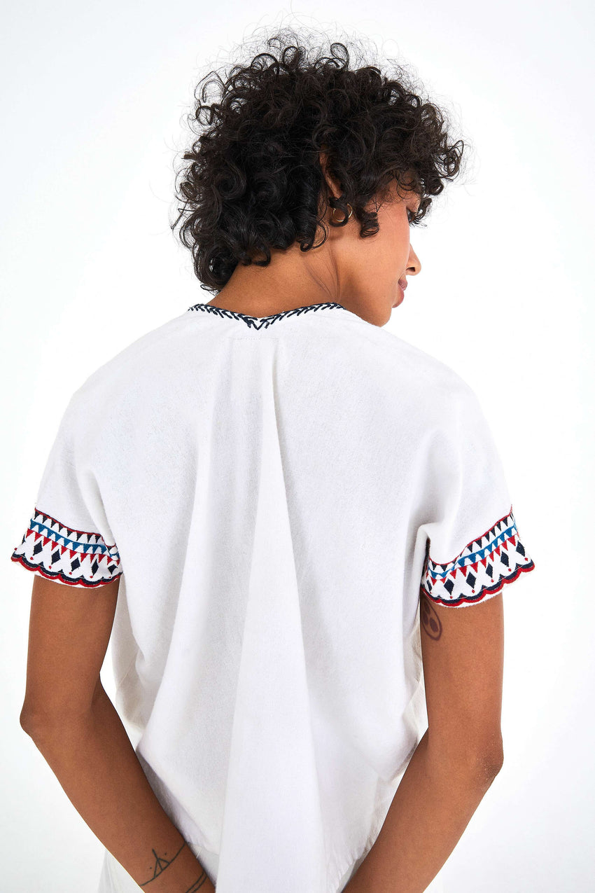 MACAW EMBROIDERED TOP
