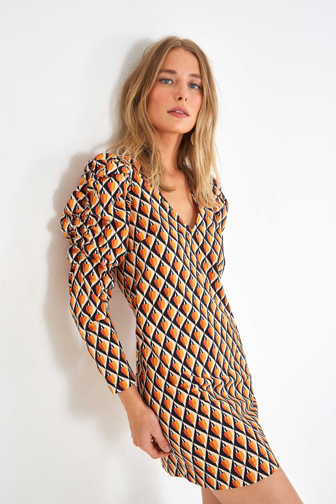 GRAPHIC CASHEW MINI DRESS