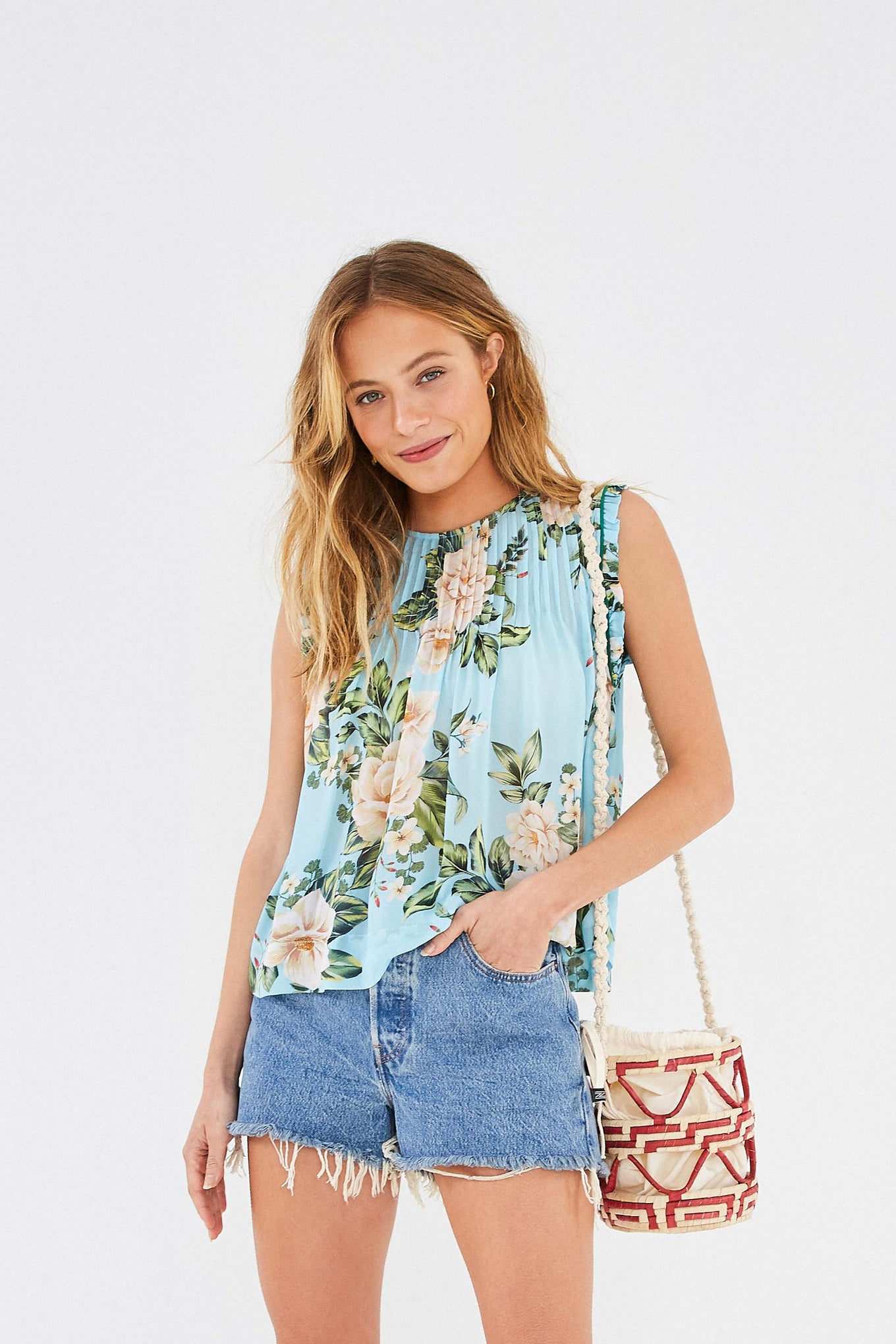 HAWAIIAN FLORAL BLOUSE