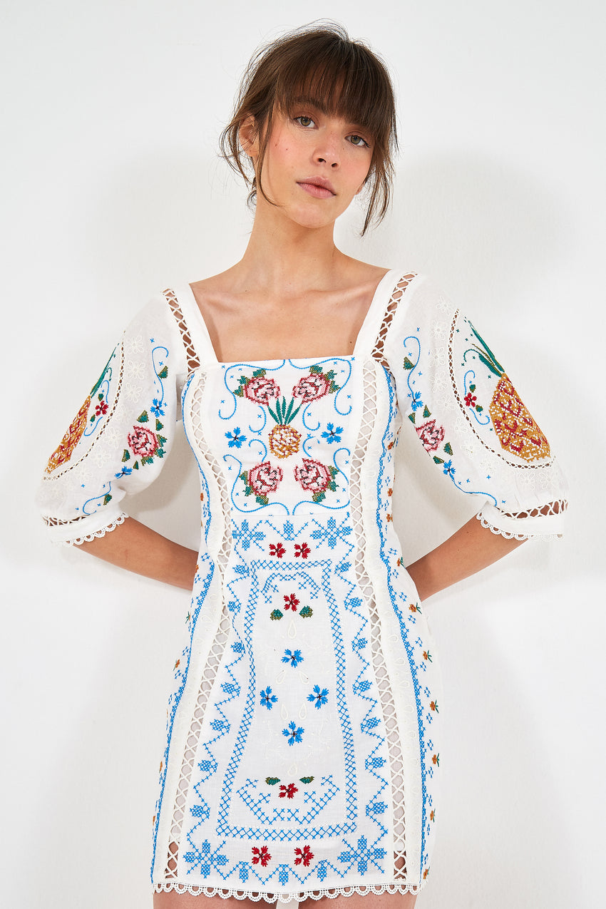 EMBROIDERY SCARF SHORT DRESS