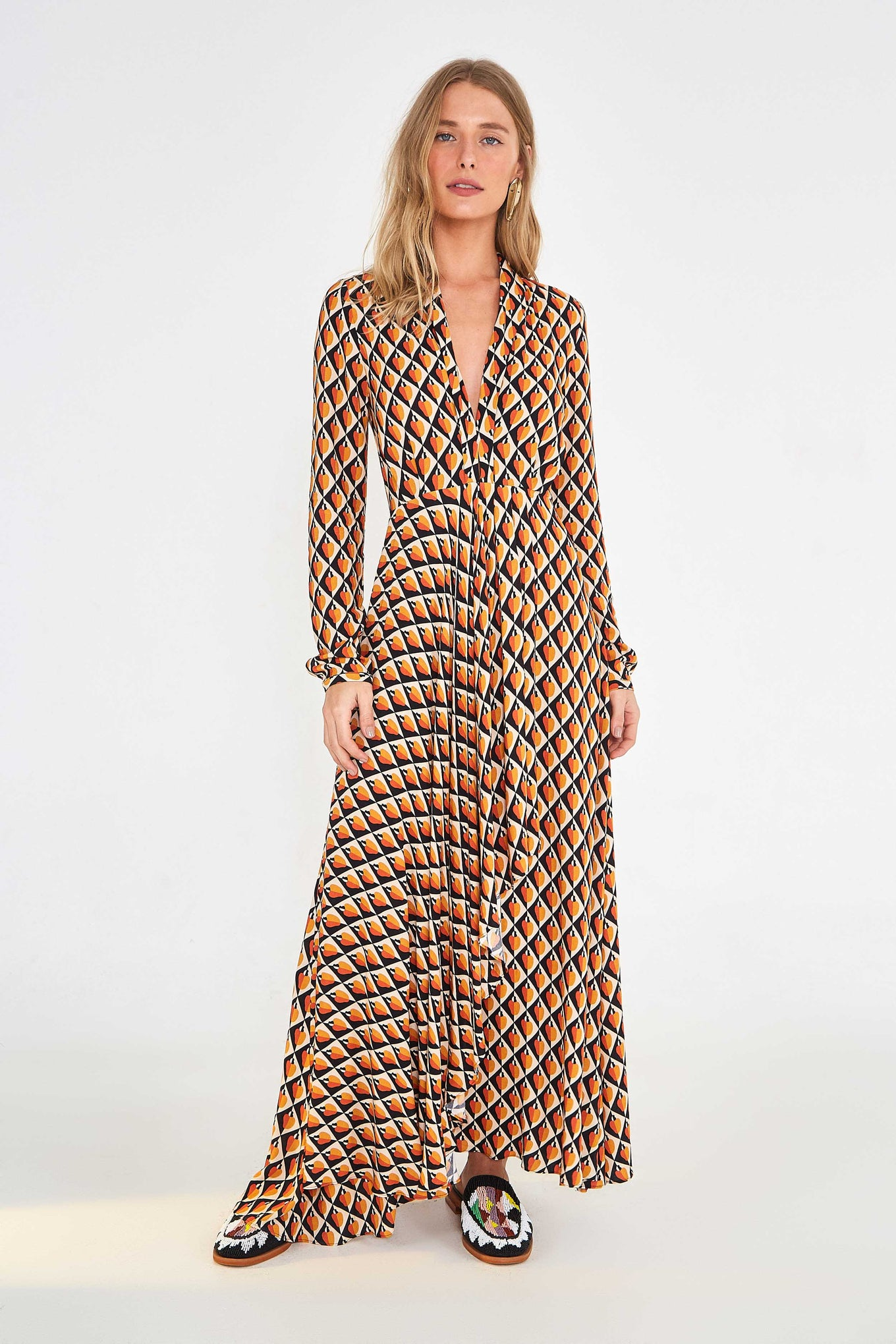 GRAPHIC CASHEW MAXI DRESS