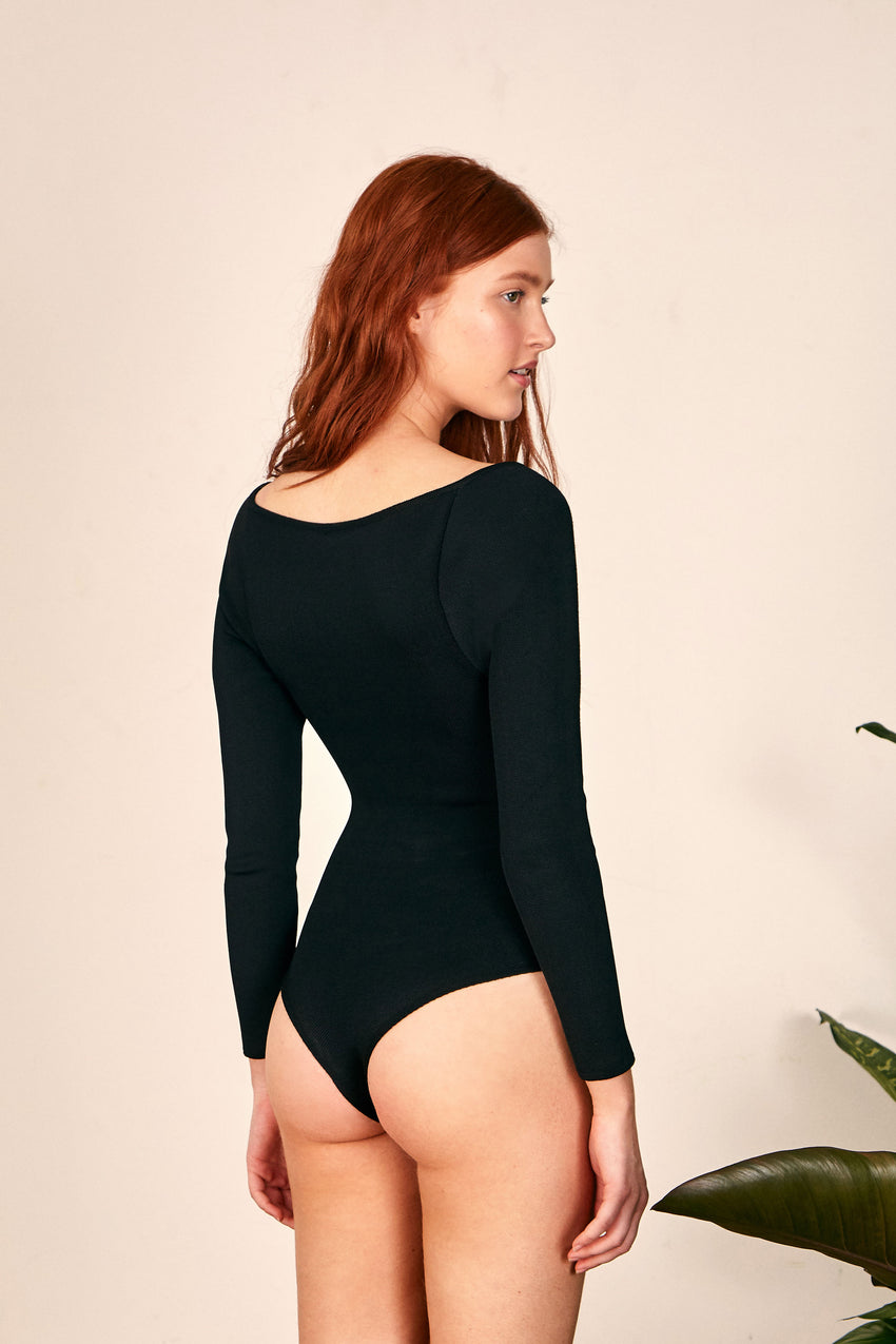 BLACK LONG SLEEVES BODYSUIT