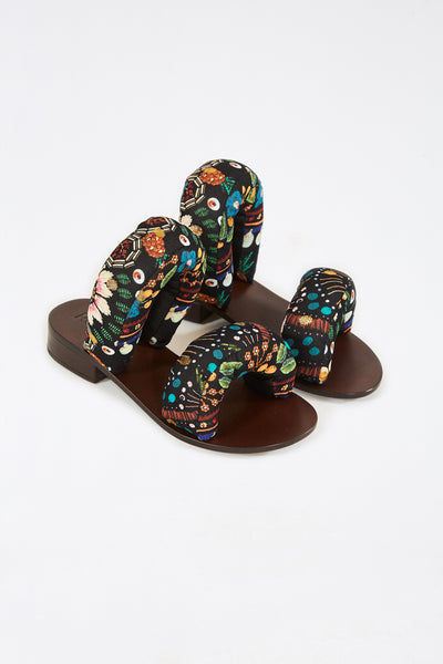 TROPICAL SHINE ROOM PILLOW SANDALS