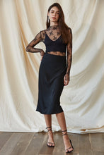 Load image into Gallery viewer, Total Elegance Black Midi Skirt