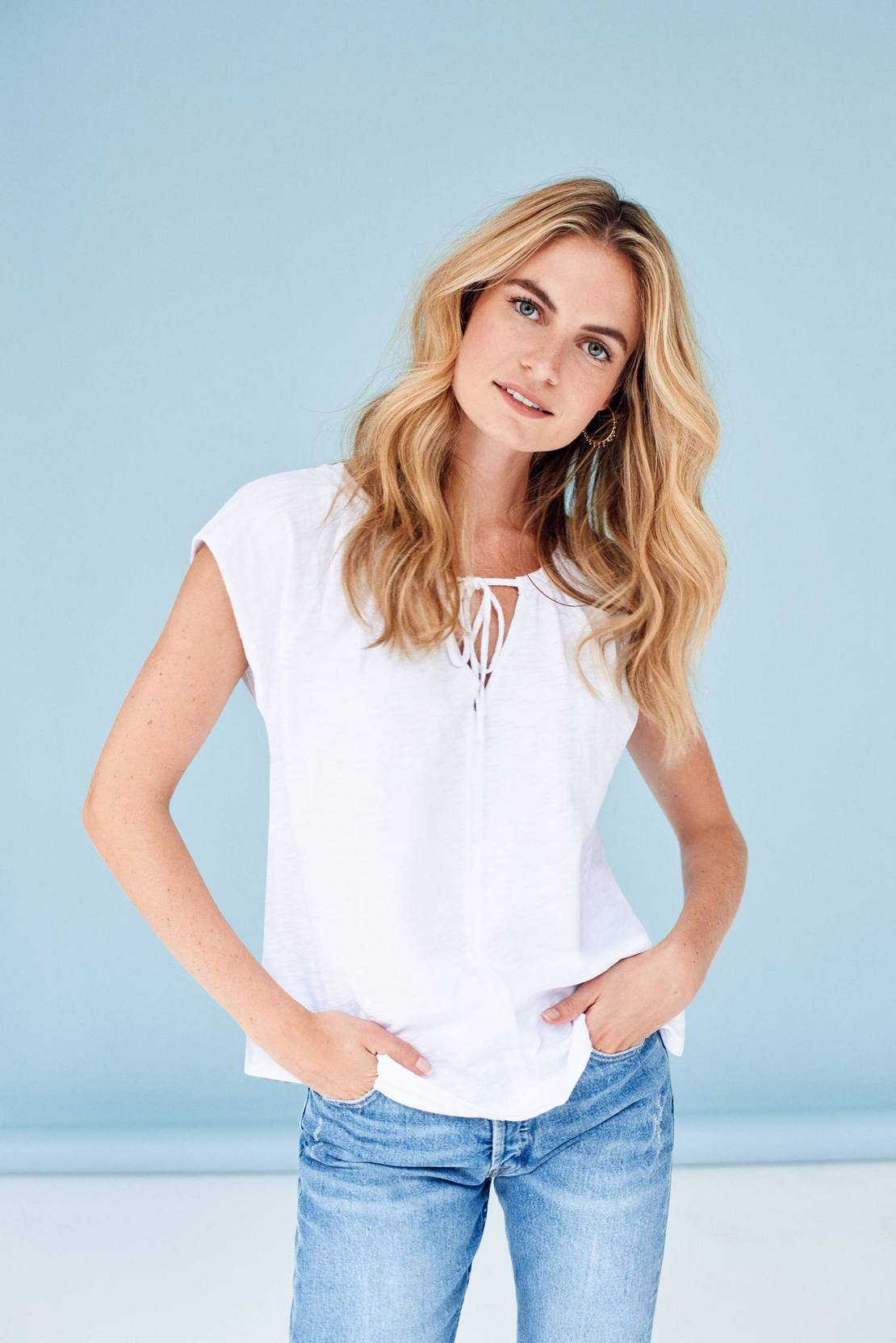 Short Sleeve Split Neck White