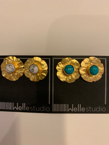 Stone Center Flower Earring