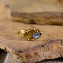 Load image into Gallery viewer, Natural Labradorite Special Ring