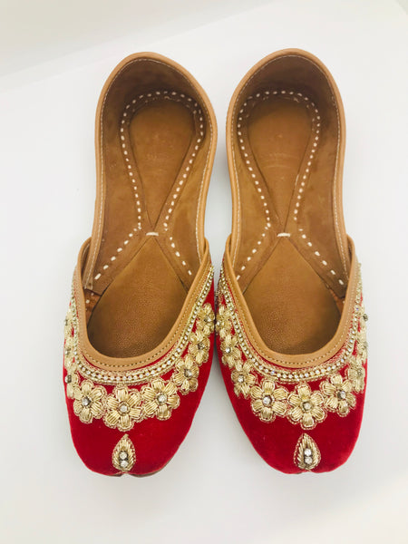 Velvet punjabi jutti in red - Indian Wedding Bazar