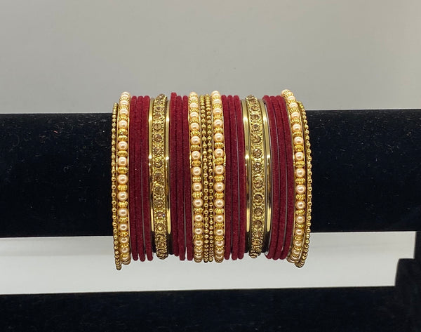 ASMA Velvet Bangle Set (2 hands)