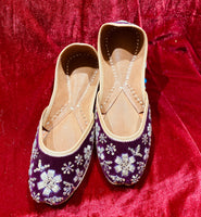 Women Punjabi Jutti Plum - Indian Wedding Bazar