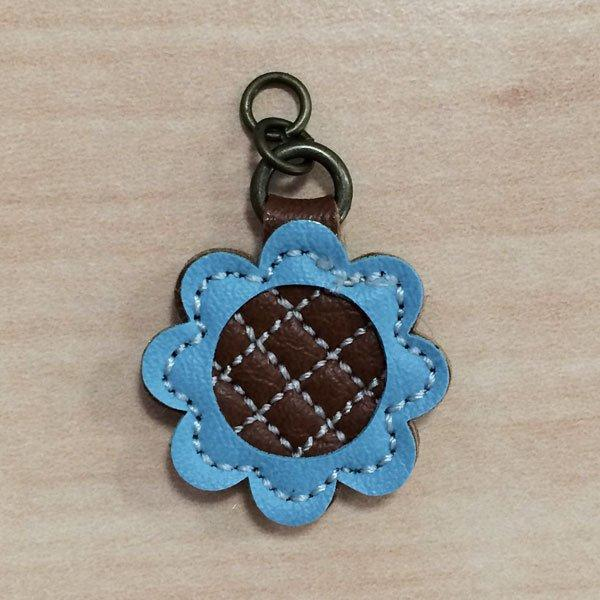 Zip Pull Blue Flower lge.
