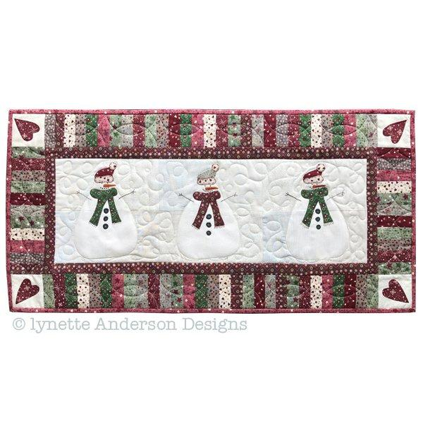 Let's Build a Snowman Tablerunner - pattern