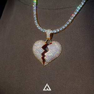 HEART BREAK PENDANT - Lujoure